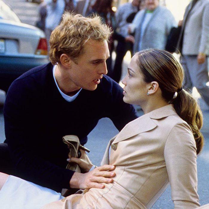 Každý, kto ma pozná vie, že som snílek a romantik. A kde nájdeme poriadne romantické klišé? No predsa v svadobných filmoch! Ak sa pripravujete na svoju vlastnú svadbu alebo si len chcete dopriať filmovú romantiku, v tomto článku sa jednoducho nájdete. Ja nedám dopustiť na Svadby podľa Mary a vlastne asi každý film, v ktorom sa Jennifer Lopez ukáže (no dobre, svoju rolu tam zohráva aj Matthew McConaughey). Poďme sa spoločne pozrieť na 16 najlepších svadobných filmov: https://mojasvadba.zoznam.sk/najlepsie-svadobne-filmy/ - Obrázok č. 1