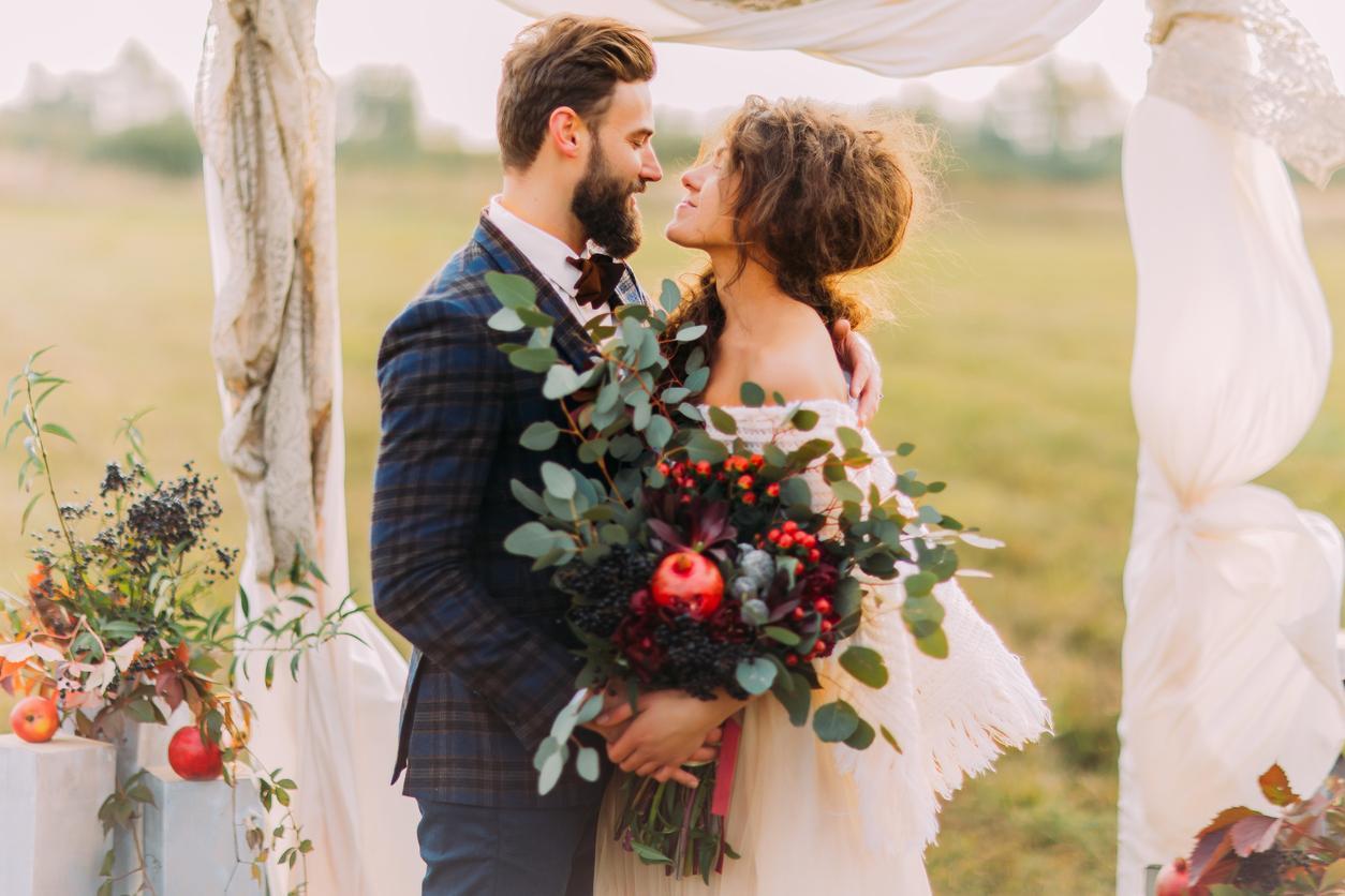 Ak je jesenná svadba to, po čom túžiš, farebných kombinácií máš k dispozícii naozaj veľa. :-) Okrem obľúbených a klasických nájdeš v dnešnom článku aj netradičné kombinácie: https://mojasvadba.zoznam.sk/svadobna-vyzdoba-jesen-2020/ - Obrázok č. 1