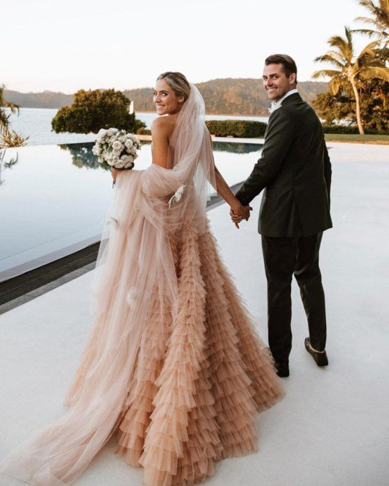 Farebné svadobné šaty - Obrázok č. 8