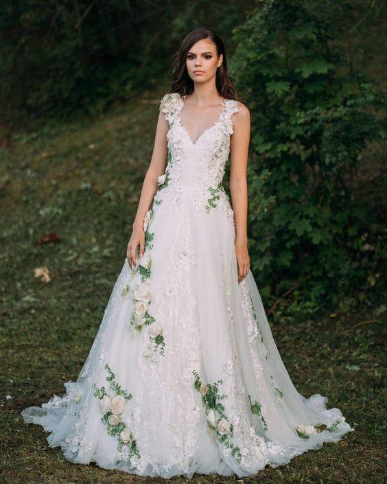 Farebné svadobné šaty - Obrázok č. 16