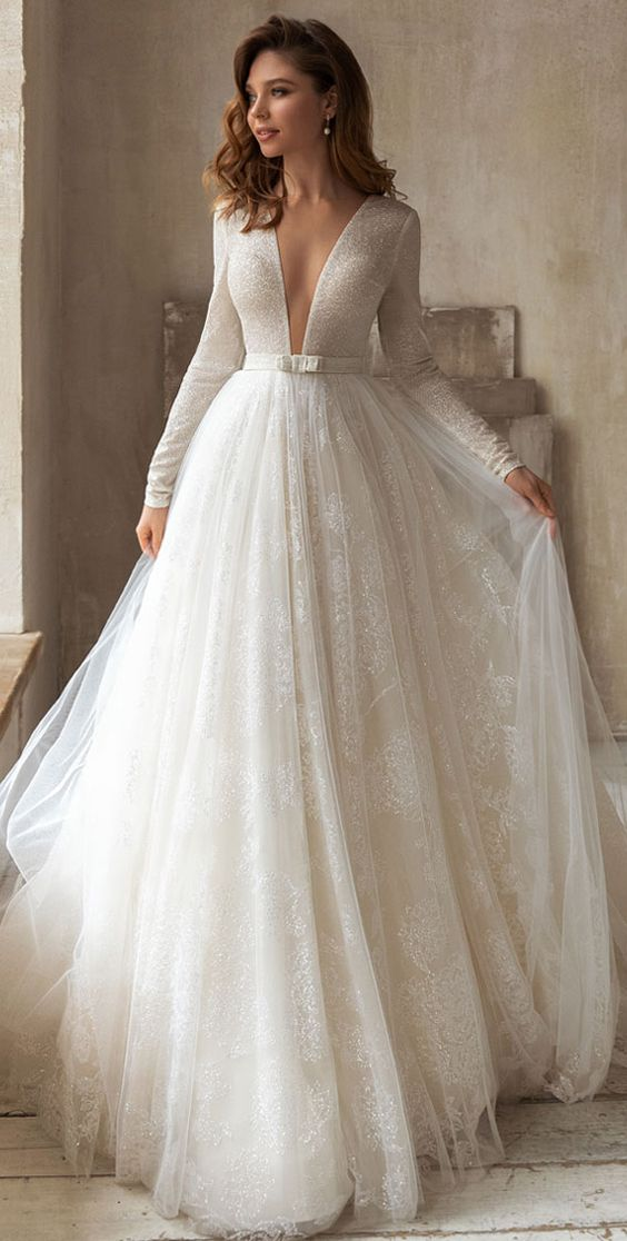 Svadobné šaty s rukávmi - Obrázok č. 29