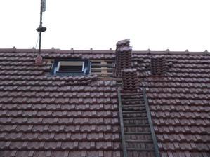 2012 nové střešní okno k anténě