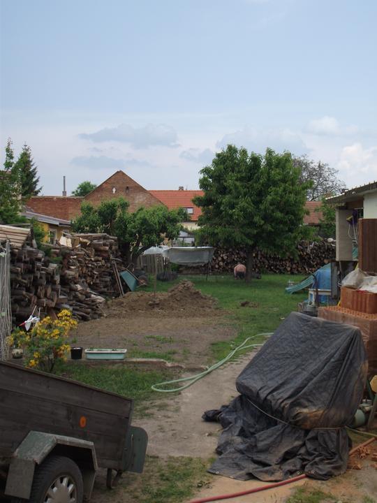 Pomalu se uklízí i na dvoře a zahradě