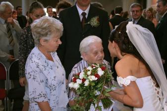 Gratulace 91-leté babičky, nejstaršího svatebčana