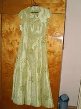 šaty mojej sestričky družičky...sú jej obľúbenej farby