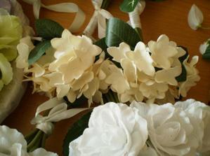 ďalšie kvetinky na výzdobu