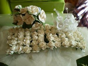 kvetinky na svadobné pierka