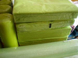 samozrejme zelené servítky, ešte musím niekde zohnať fialkové