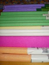krepový papier - 15 ks, dúfam, že bude stačiť :)