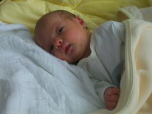 naše vytužené bábetko sa narodilo 20.5.2011..