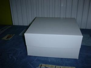 malá krabička na výslužky - ještě nazdobit