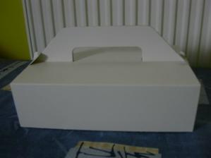 vetší krabička na výslužky - ještě nazdobit