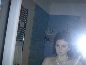 samo foto :-) s náhrdelníkem..