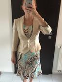 Trojdielny suknovy kostym, 36
