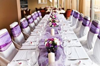 svatba bude prostě do fialova