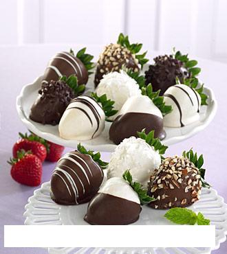 Zuzka a Mirko :o) - presne tyhle jahody v cokolade musim mit :-)