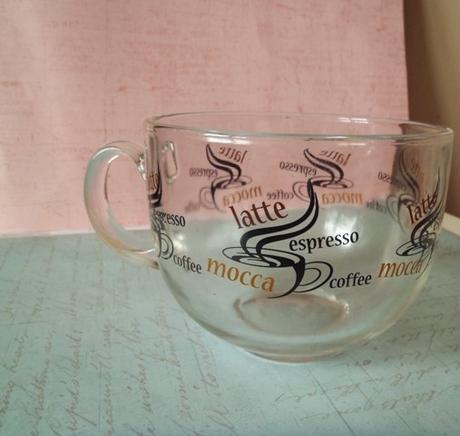 sklenený pohár latte - Obrázok č. 1