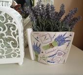 keramický levanduľkový kvetináč,