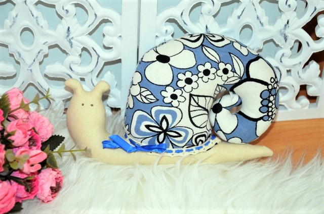 slimáčik-ručne šitá dekorácia - Obrázok č. 1