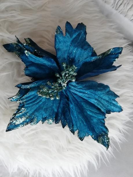 modrá vianočná ruža - Obrázok č. 1