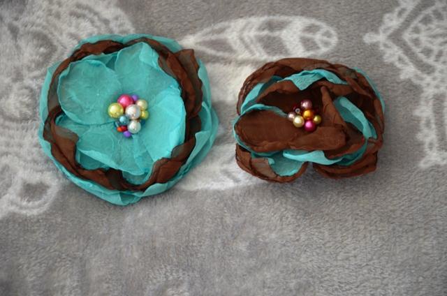 2x mušelínový kvet-brošňa - Obrázok č. 1