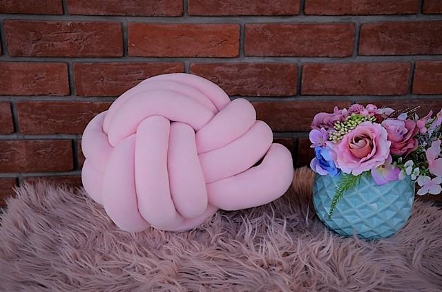ružový vankúš-uzol - Obrázok č. 1