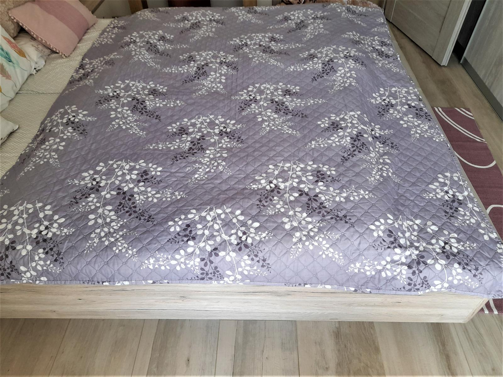 prešívaný obojstranný prehoz na posteľ-210x170cm - Obrázok č. 1