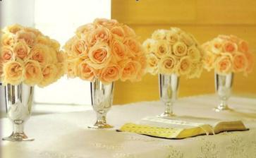Krásně zdobený stůl...