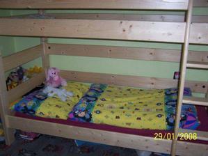 ...postel je masiv-smrk,je skvělá