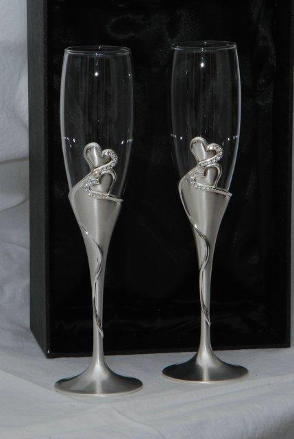 Maťa Horniakova a Patrik Špaňo - naše svadobné poháre už ich máme doma