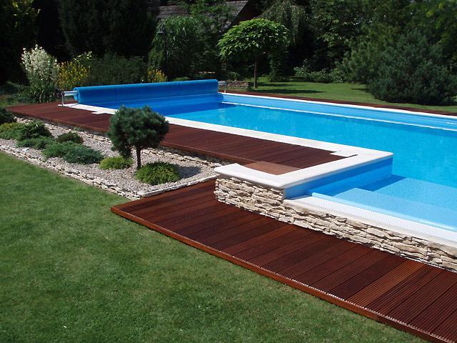 Zahrada - obložení bazénu