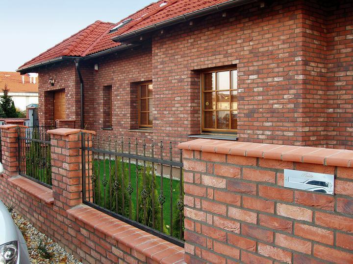 Moje milovane bungalovy - zariadenie, pôdorysy, rozloženie... - fasada bez make-upu:)