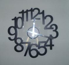 Dizajnové hodiny - na predaj v bazári