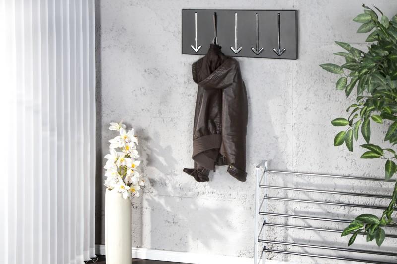 Vešiak na stenu s držiakom v tvare šípky. - Obrázok č. 1