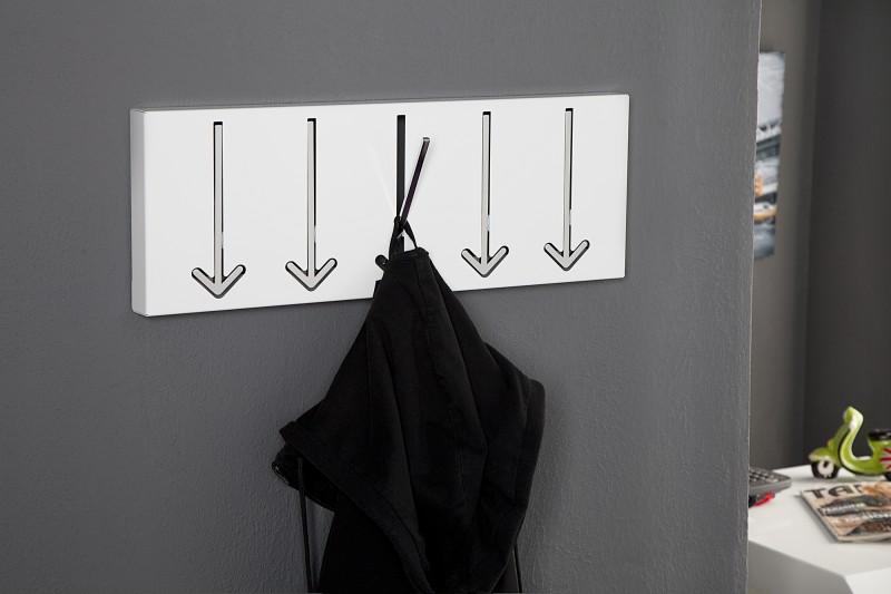 Vešiak na stenu s držiakom v tvare šípky. - Obrázok č. 2