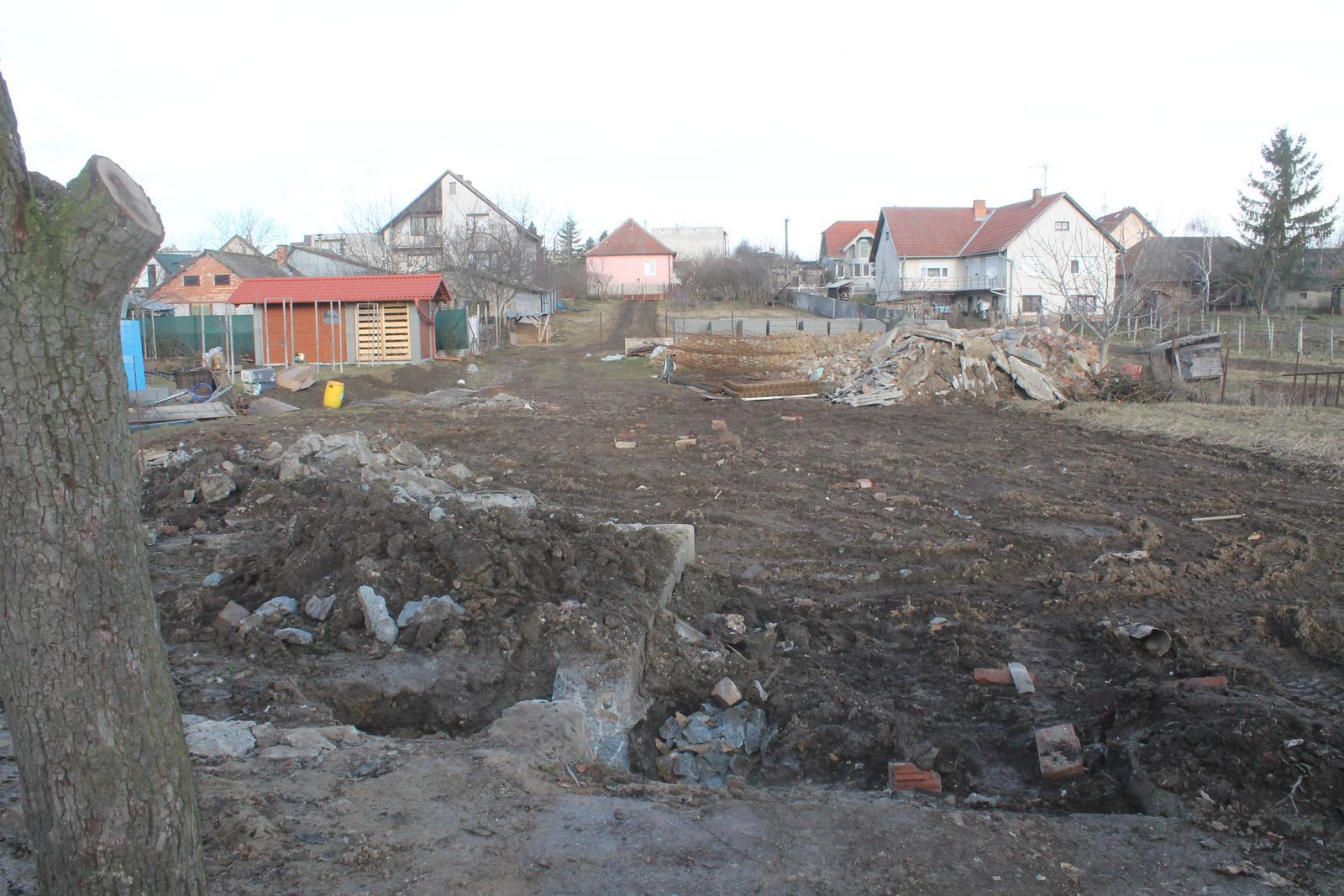 Zaklady 300m2 rd Nitra - Obrázok č. 1
