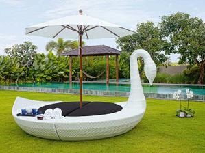 a toto k bazénu... :)