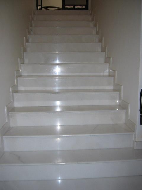 Biele schodisko a interierové dvere? :-) - Obrázok č. 11