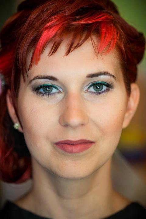 Ivanka{{_AND_}}Michal - aj make-up sa myslím vydaril, netrvalo to dlho a zrazu som vyzerala ako modelka .....