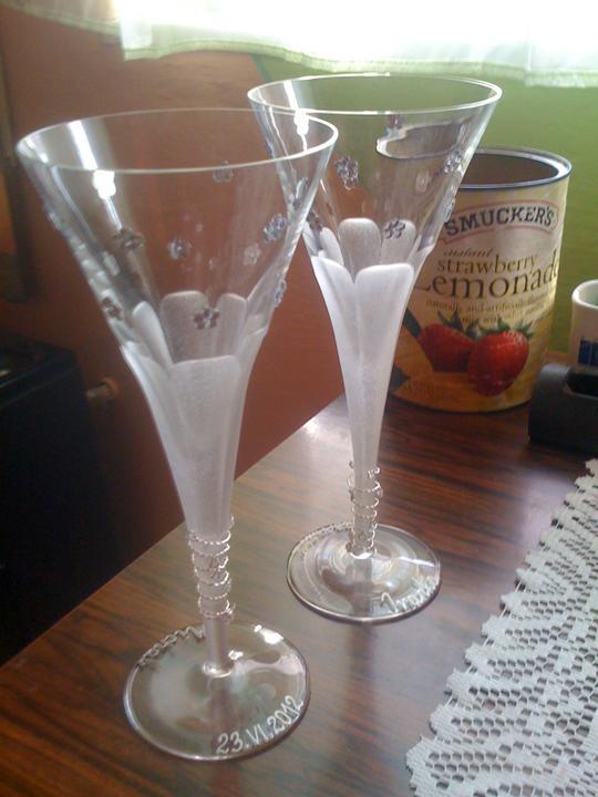 Pár predsvadoných...... :-) - naše nádherné, ručne robené a zdobené poháre