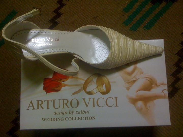 Pár predsvadoných...... :-) - topánočky.....