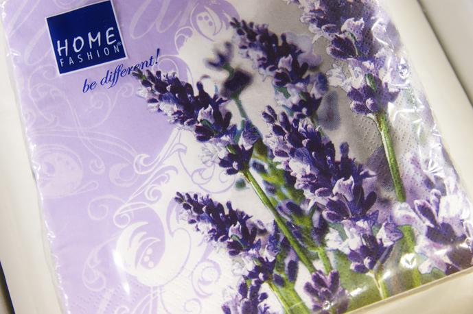 Nasa mala fialova - co uz mame - niečo na výzdobu svadobnej tabule