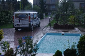 napúšťanie bazéna :-)