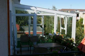 zimná záhrada takmer dokončená, chýnajú ešte tesnenia, žalúzie a krajšia podlaha