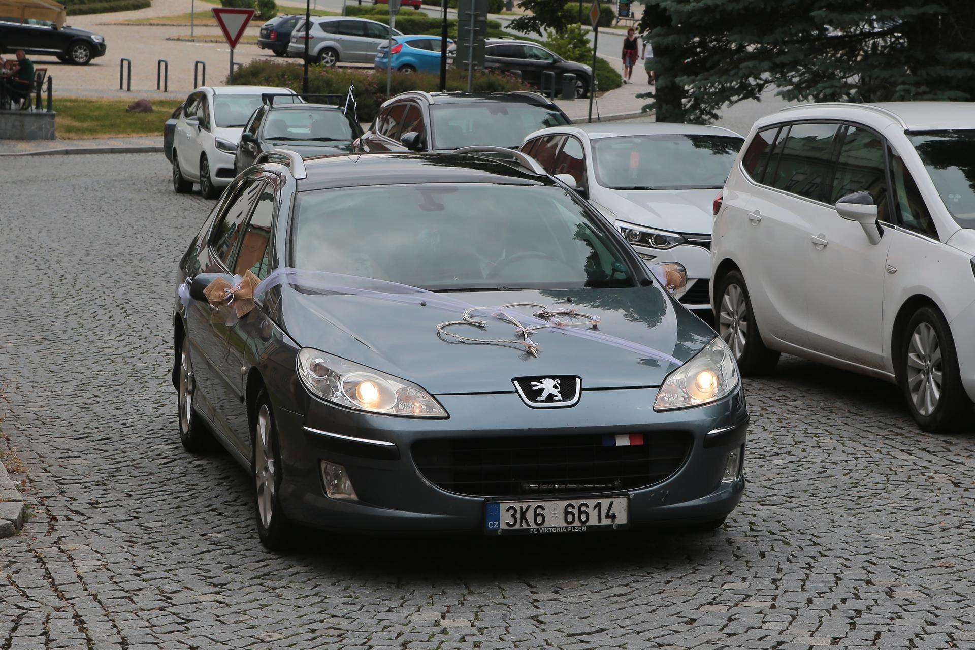 Kristýna   {{_AND_}}   Miroslav - nevěsty auto