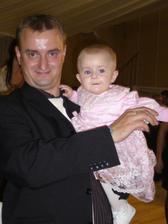 s ockom na svadbe dvoch sestier