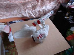 poletí Enterprise....    fotečky přímo od šikovné paní co nám vyráběla :)