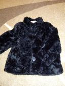 Čierny elegatný kabát, 92