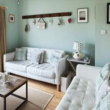 Modrozelená stena v spálni s HEMNES nábytkom (modrastrecha.sk)
