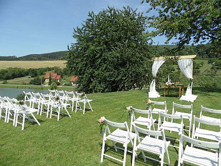 Bílé dřevěné židle - Obrázek č. 4
